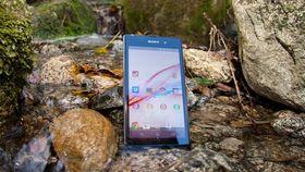 Sony Xperia Z1 er en vanntett toppmodell. Den koster en hel del mindre enn nye Xperia Z2.