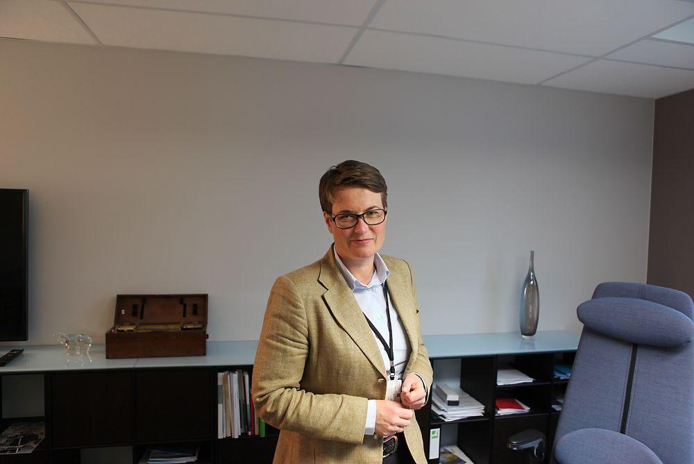 Klima- og miljøminister Tine Sundtoft (H) jobber for å få ordningen med enøk-fradrag klar så fort som mulig, men kan ikke love at den blir klar før i statsbudsjettet for 2015. I dag presenterte miljøbevegelsen og byggenæringen sine forslag.