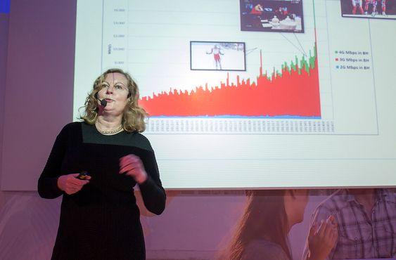 Trenger kapastetet og dekning: Direktør for Telenor Norge Berit Svendsen tror RadioLamp vil bidra til å gi kundene bedre dekning og ta av for den voldsomme økningen i databruk som kommer.