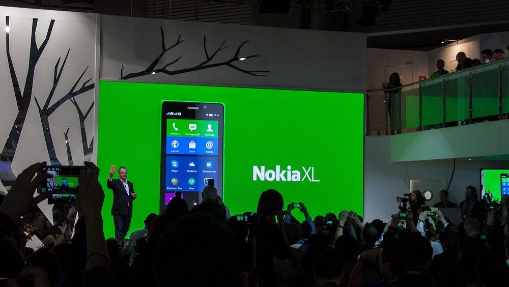 Nokia-sjef Stephen Elop lanserte tre Android-telefoner. Foto: Marius Valle