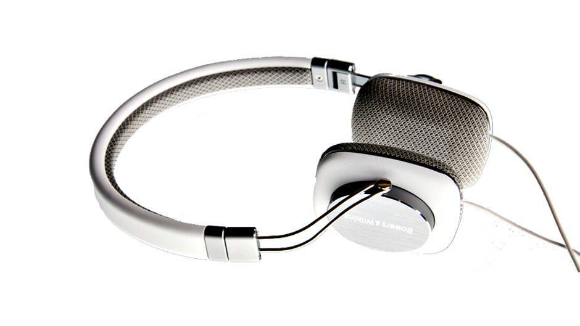 TEST: Kompakt hodetelefon med raffinert lyd