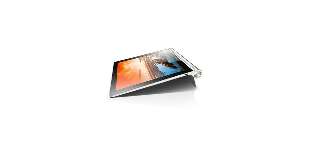 Lenovo Yoga Tablet 10 har en fot du kan vippe ut. Det gjør at det kan stå av seg selv, og vippes litt opp når det ligger på et bord.