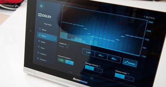 Lydforbedringsprogramvare fra Dolby følger med.