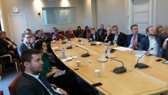 Energi- og miljøkomiteen og en rekke interesseorganisasjoner var samlet på Stortinget.