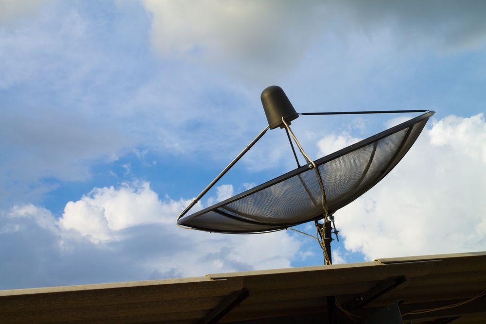 Ved hjelp av satelittkommunikasjon, skal dekningshullene i Norge tettes for at tjenester som AMS skal kunne fungere.