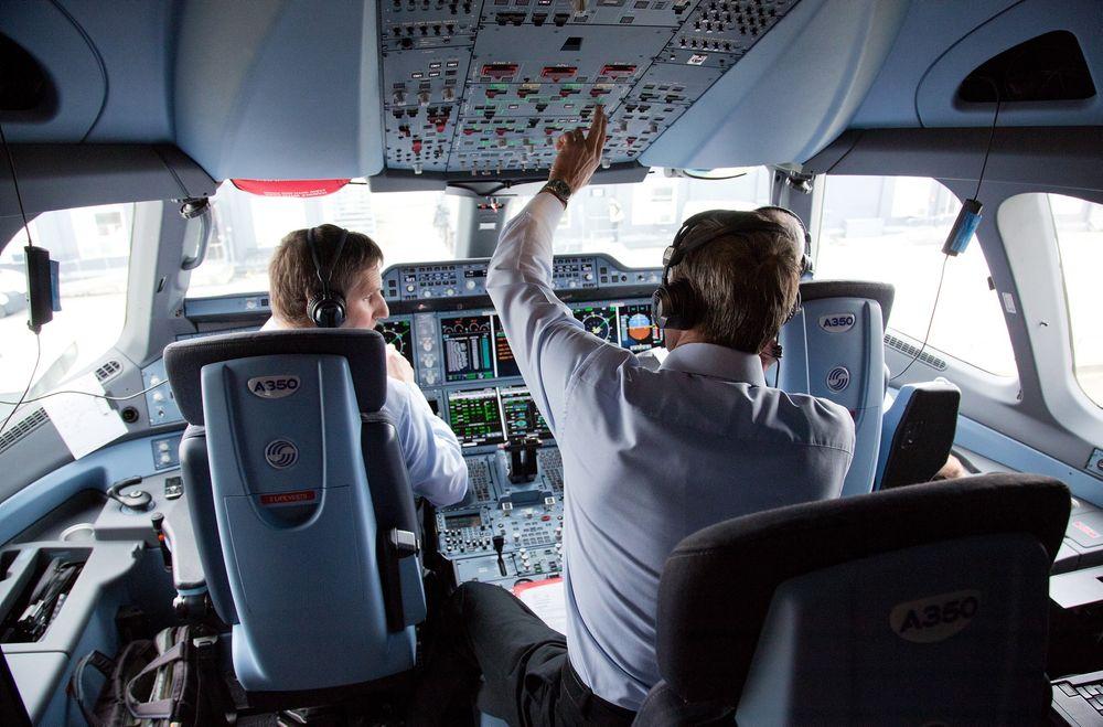 EUs organ for flysikkerhet anbefaler alle flyselskap å innføre den såkalte «topersonsregelen» i cockpit.