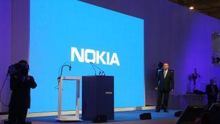 Microsoft kutter ut Nokia og Windows Phone