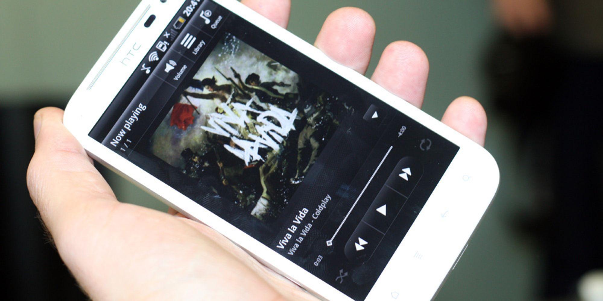 Lyntest av HTC Sensation XL