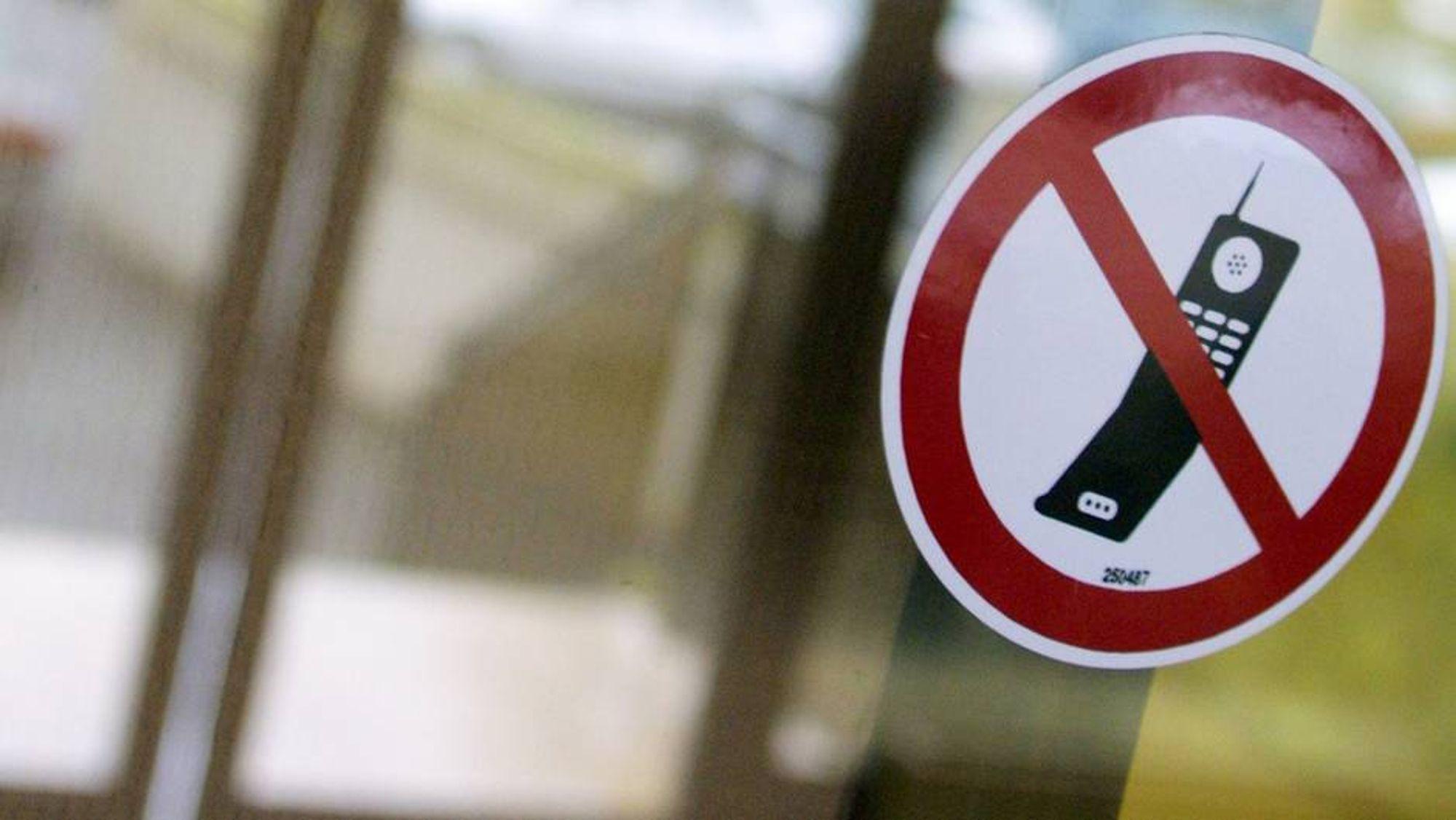 Skoler kan ikke totalforby mobiltelefoner