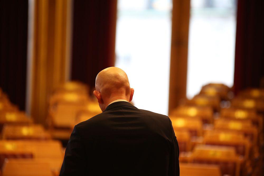 Olje- og energiminister Tord Lien svarer ikke konkret på om han vil gi Stortinget innsyn i regnestykkene for elektrifisering fra ekspertene i Oljedirektoratet.