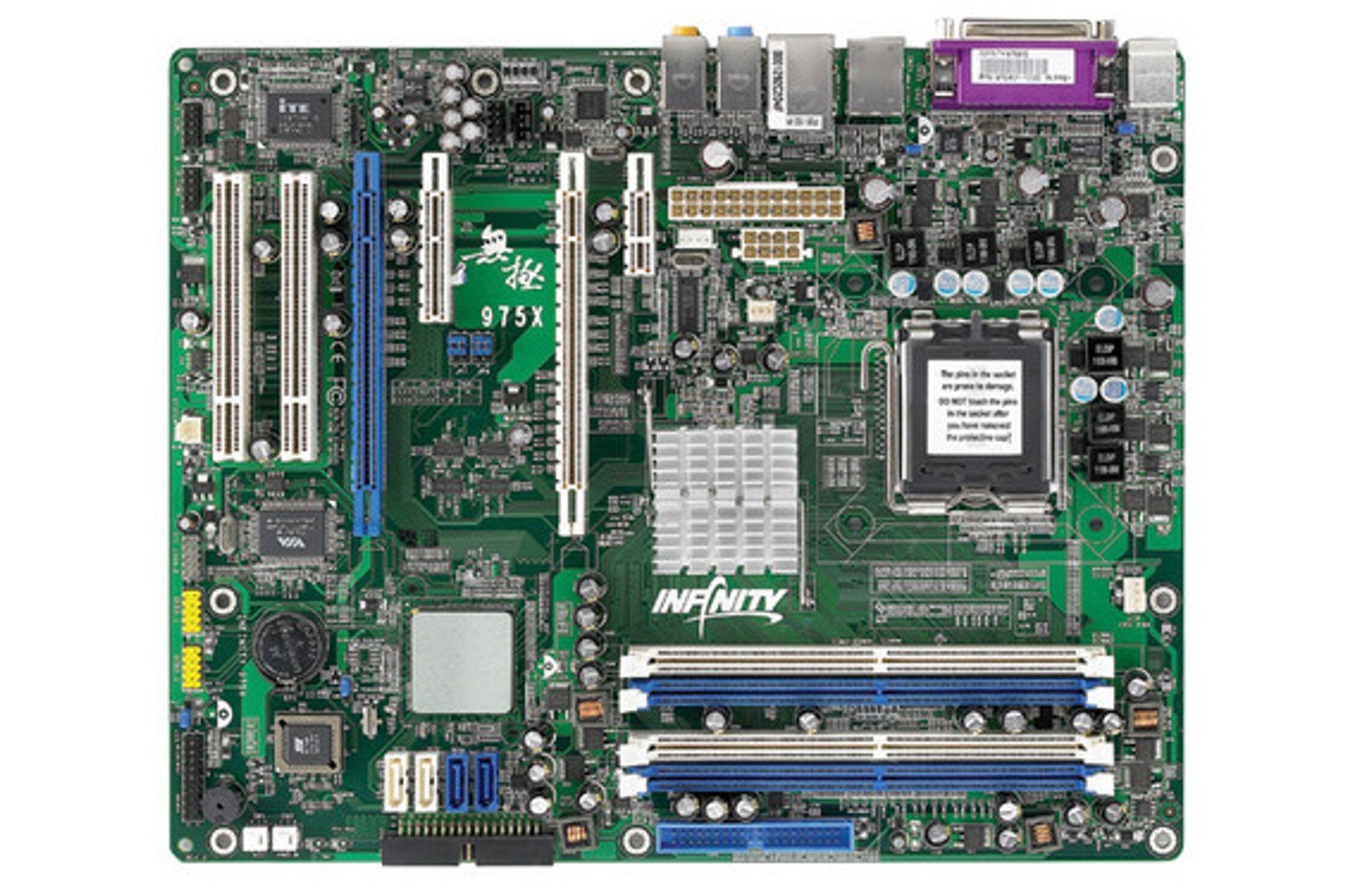 DFI INFINITY 975X/G støtter Core 2