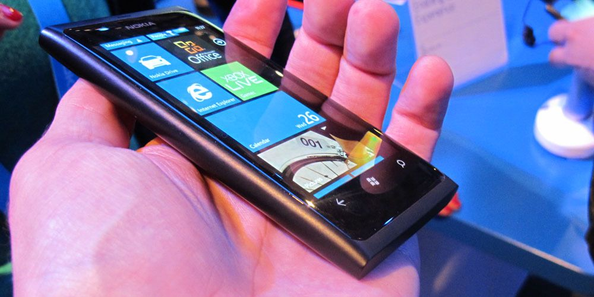 Nokia Lumia 800 kommer om to uker