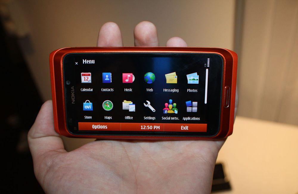 Nokia E7 i februar