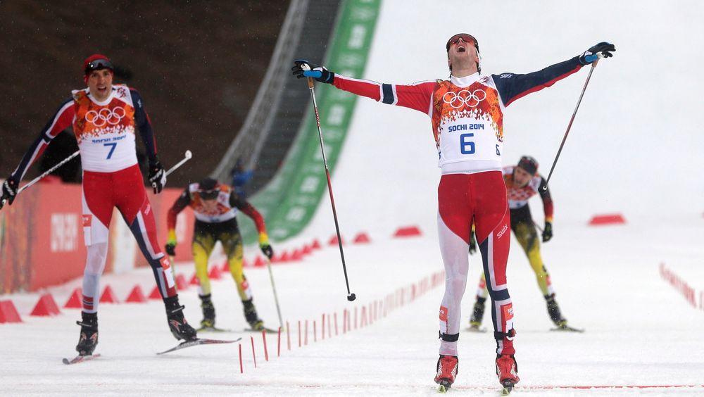 Snøen Jørgen Graabak gikk aller først i mål på under mennenes kombinertkonkurranse tirsdag er produsert av finske SnowTek. Systemet kan lage snø i opptil 30 graders varme.