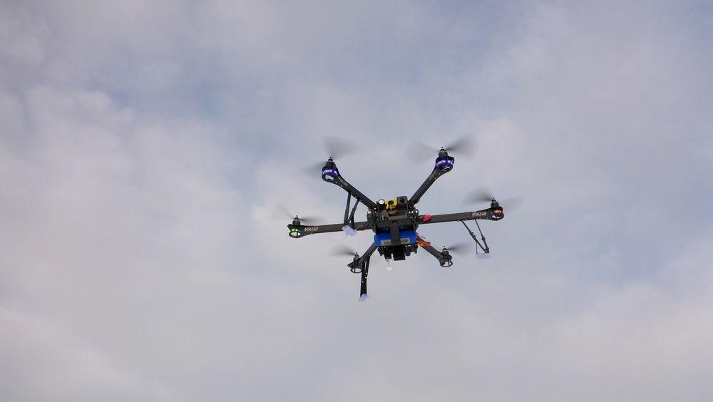 Droner kan brukes til å inspisere byggeplasser. En dansk oppstart vil nå sette dem i stand til å også oppdage feil.