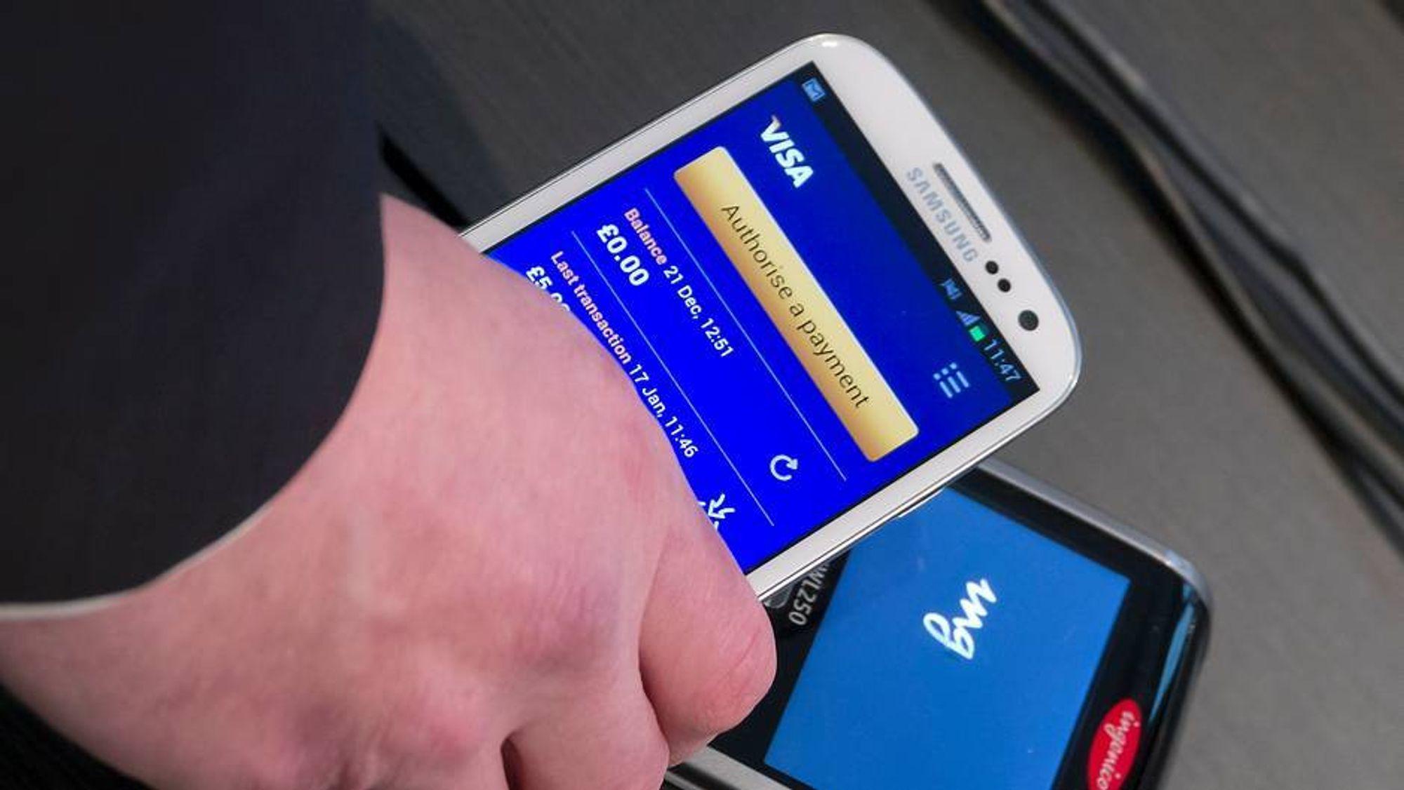 I år begynner mobilbetalingen