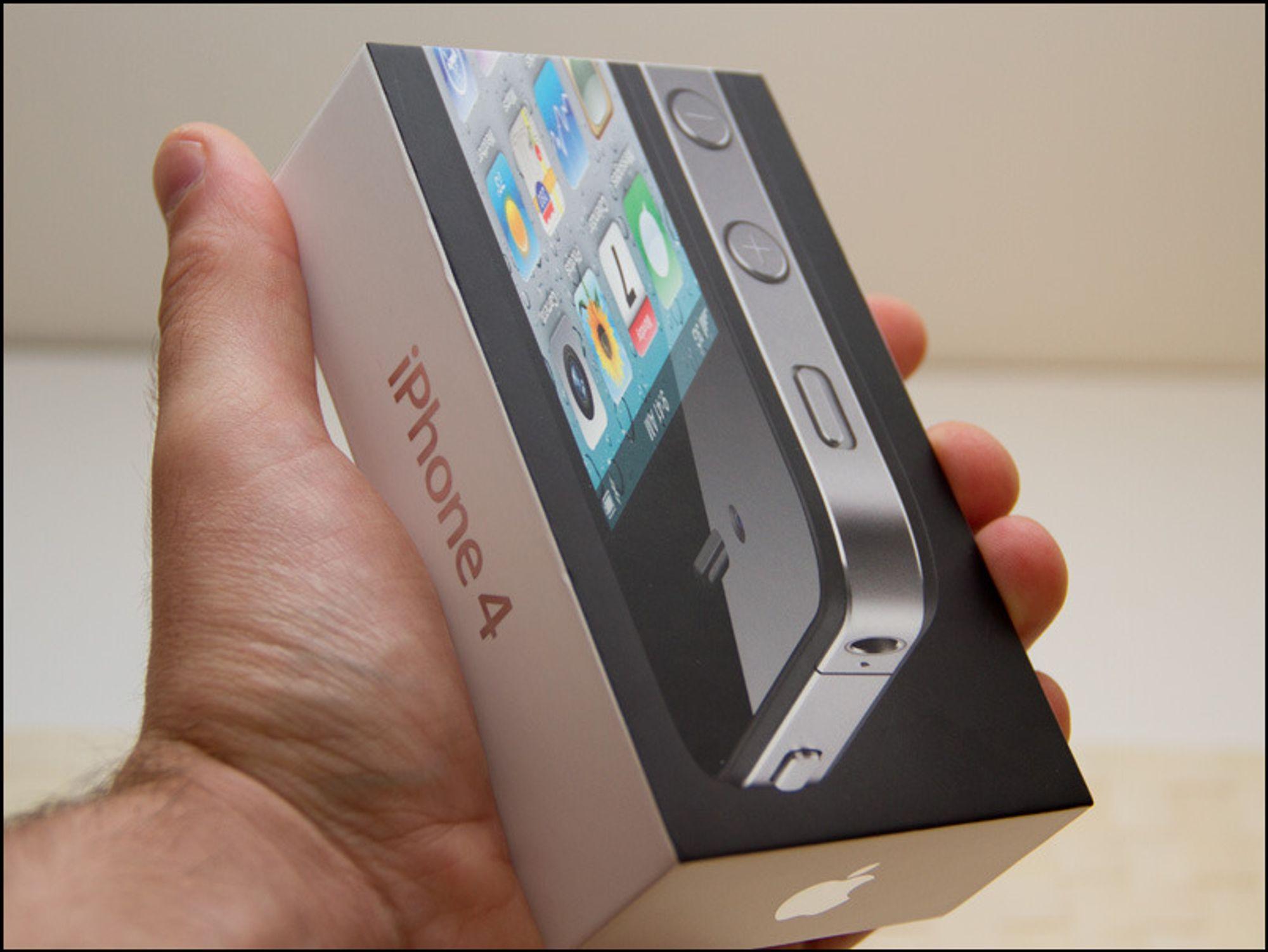 Vi unboxer iPhone 4