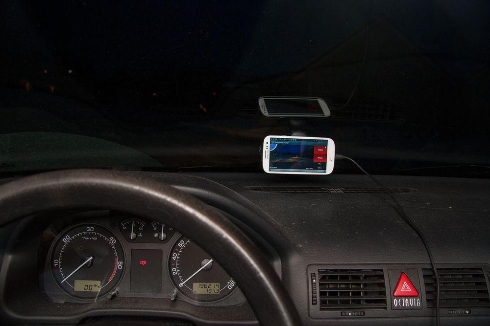 Bruk mobilen som «svart boks» i bilen