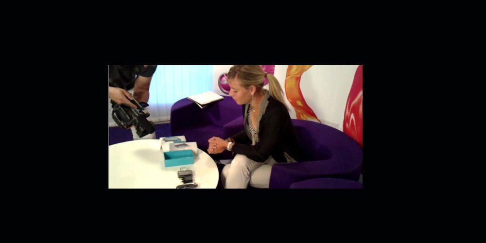 Maria Sharapova unboxer X10 Mini Pro