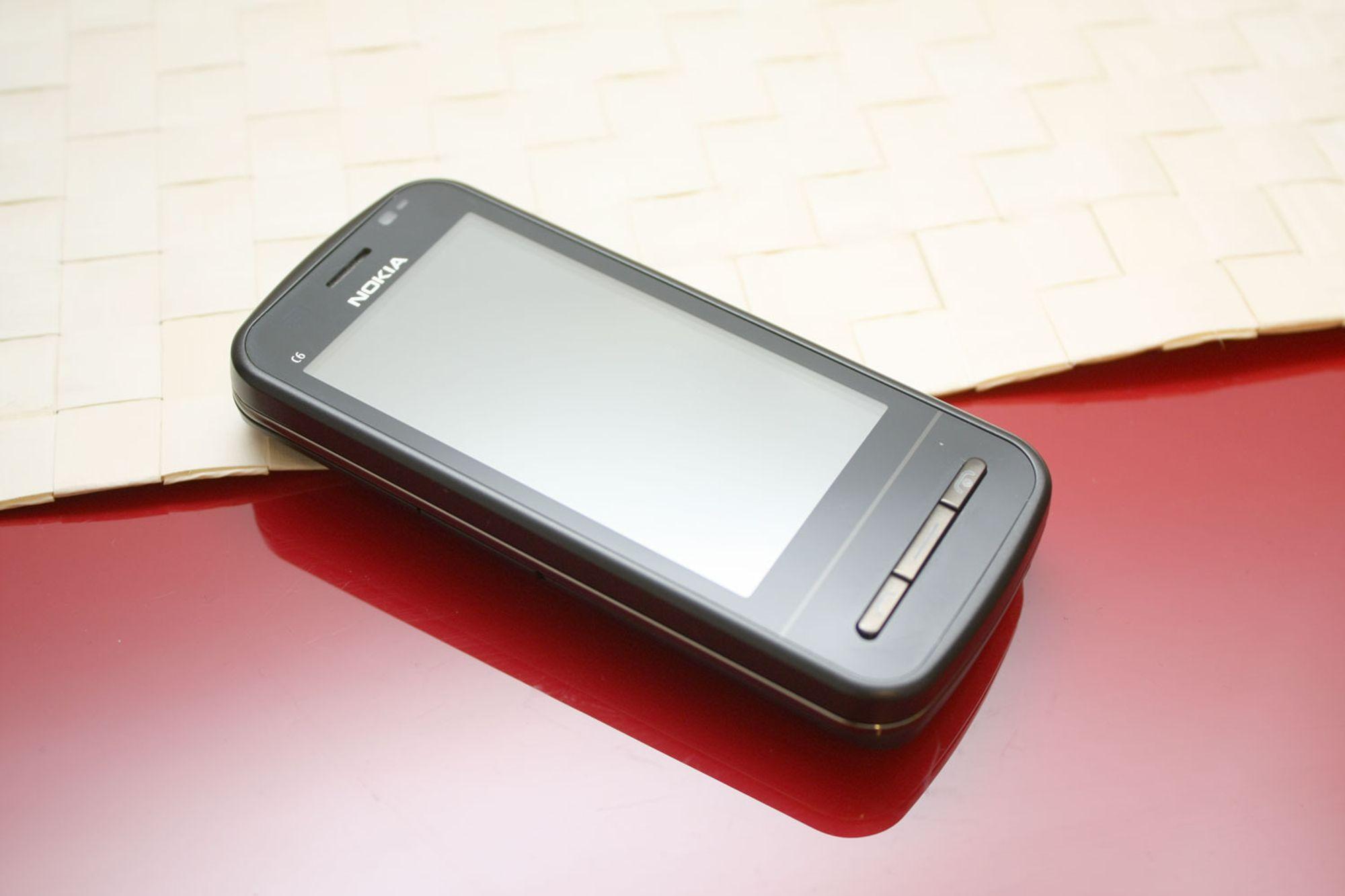 Test av Nokia C6-00