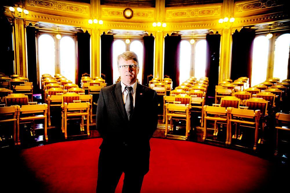Frps energipolitiske talsmann Oskar Grimstad mener det er ressurssløsing og symbolpolitikk å elektrifisere hele Utsirahøyden.