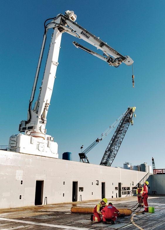 Pris: Far Solitaire ble levert i 2012 og er det første som fikk DDC-kran montert på relingen.