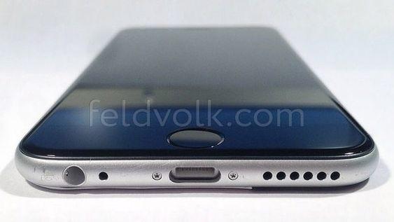 Dette bildet viser bakdeksel og skjermglass satt sammen, og gir antakelig en god indikasjon på hvordan den kommende iPhone-modellen ser ut.