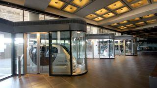Her kan du ta førerløs elbil til sentrum