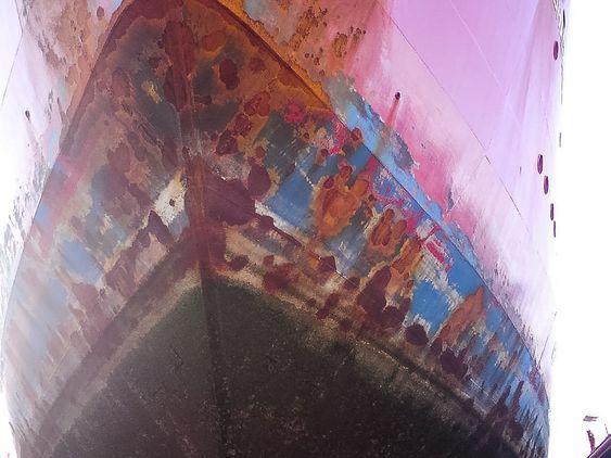 5. Baugen på Ernest Shacleton etter ett år, malt med vanlig bestandig skipsmaling.