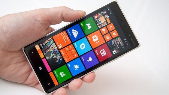Windows Phone 8.1 er enkelt å tilpasse, og fremstår som rent og pent.