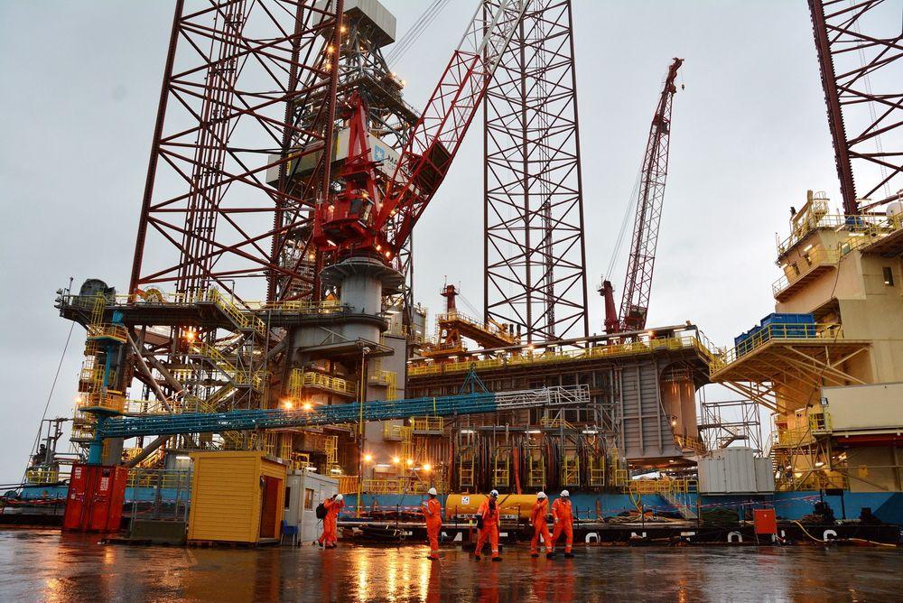 Maersk Interceptor skal i gang med sin første brønn. Riggen er verdens største jackup.
