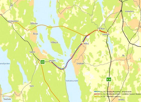 Dette er alternativene for kryssing av Oslofjorden ved Drøbak. Enten en ny bru lenger nord eller utvidelse av Oslofjordtunnelen med ett løp.
