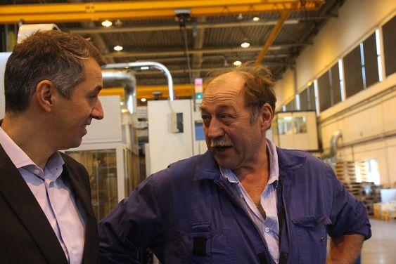 God tone: Ole Nustad og Ove Alnes i hyggelig prat hos Sperre Industri.