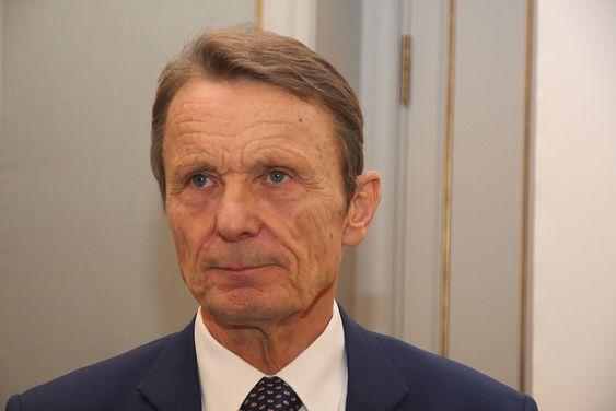 Ole Enger kjenner både Elkem og REC godt og sier at filosofi og bedriftskultur er temmelig lik.