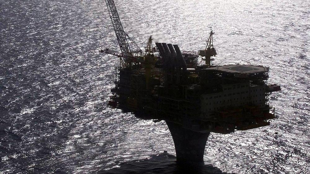 Norge vil ikke kutte i oljeproduksjonen tross lav oljepris. Her fra Draugenfeltet.