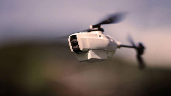 Hver UAV veier kun 17,5 gram med et skrog som er 120 millimeter langt. Den kan være i lufta på under to minutter og kan operere i minst 25 minutter inntil 1500 meter unna i fri sikt og i inntil 20 knops vind.