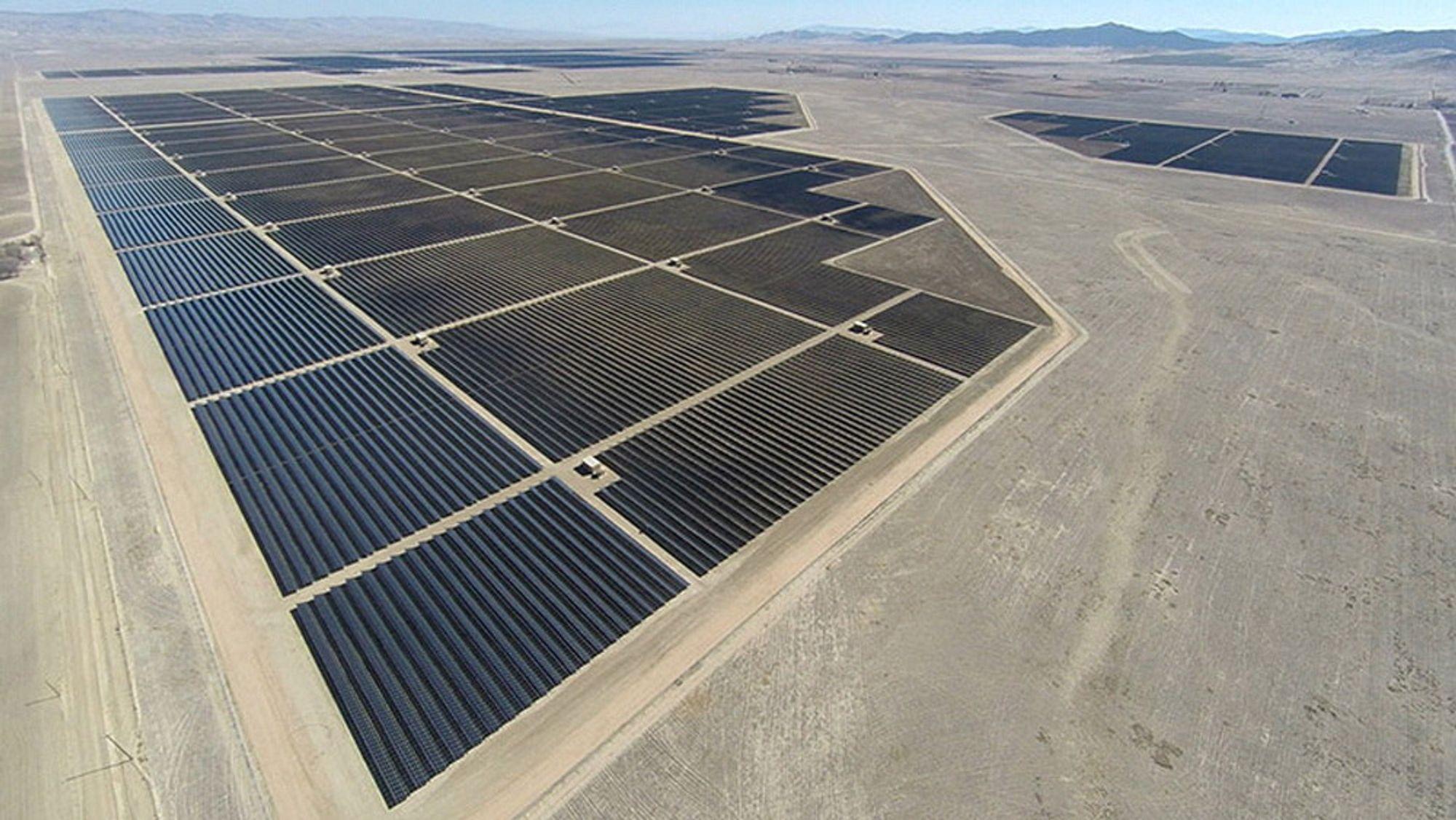 Topaz Solar-anlegget i California har en installert effekt på 550 MW.