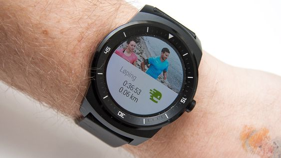 Klokken fungerer med en del apper, som treningsappen Endomondo.