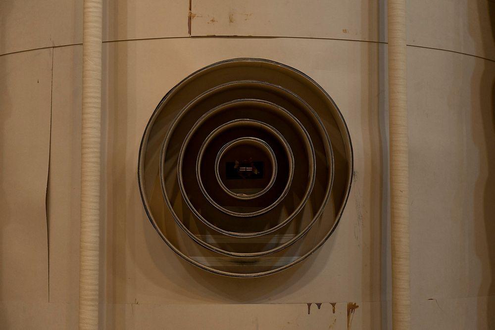 En moderne transformator er et høyteknologisk produkt, som forventes å ha lang levetid. Men det er vrient å vurdere kostnad og kvalitet basert på det man kan se fra utsiden. Foto: Peter Tubaas - ABB