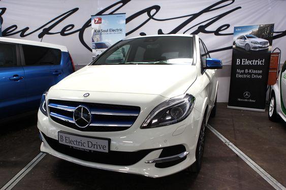 Mercedes-Benz B-klasse kommer i elektrisk versjon i februar 2015 og vil ha en teoretisk rekkevidde på opptil 230 kilometer.