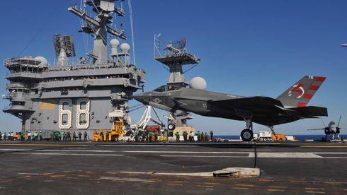 Her bråbremser en F-35 - endelig