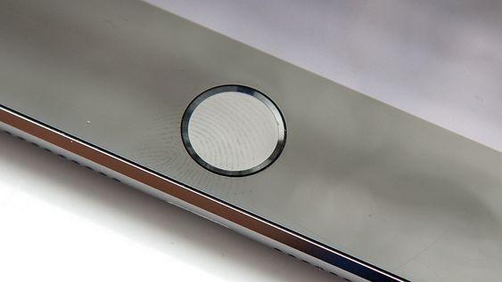 Den eneste virkelige nyheten på iPad Mini 3 er fingeravtrykkleseren i hjemtasten.