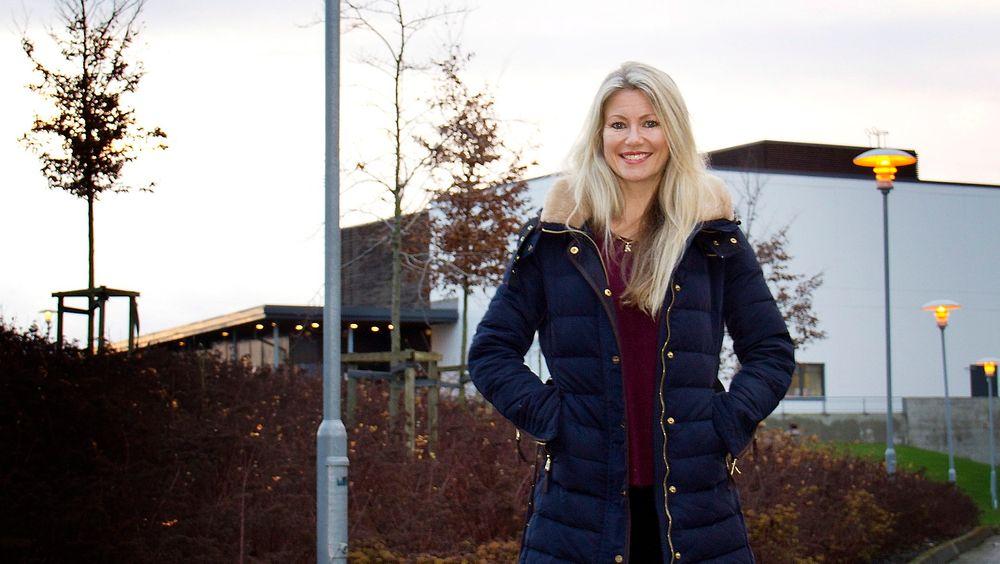 Siri Kalvig blir mandag doktor i offshoreteknologi ved Universitetet i Stavanger. Hun har forsket på vindkraft, og hvilken effekt bølger har på vindturbiner til havs.