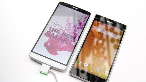 Selv om skjermen er 5,5 tommer, er ikke telefonen spesielt stor sammenlignet med Sony Xperia Z2.