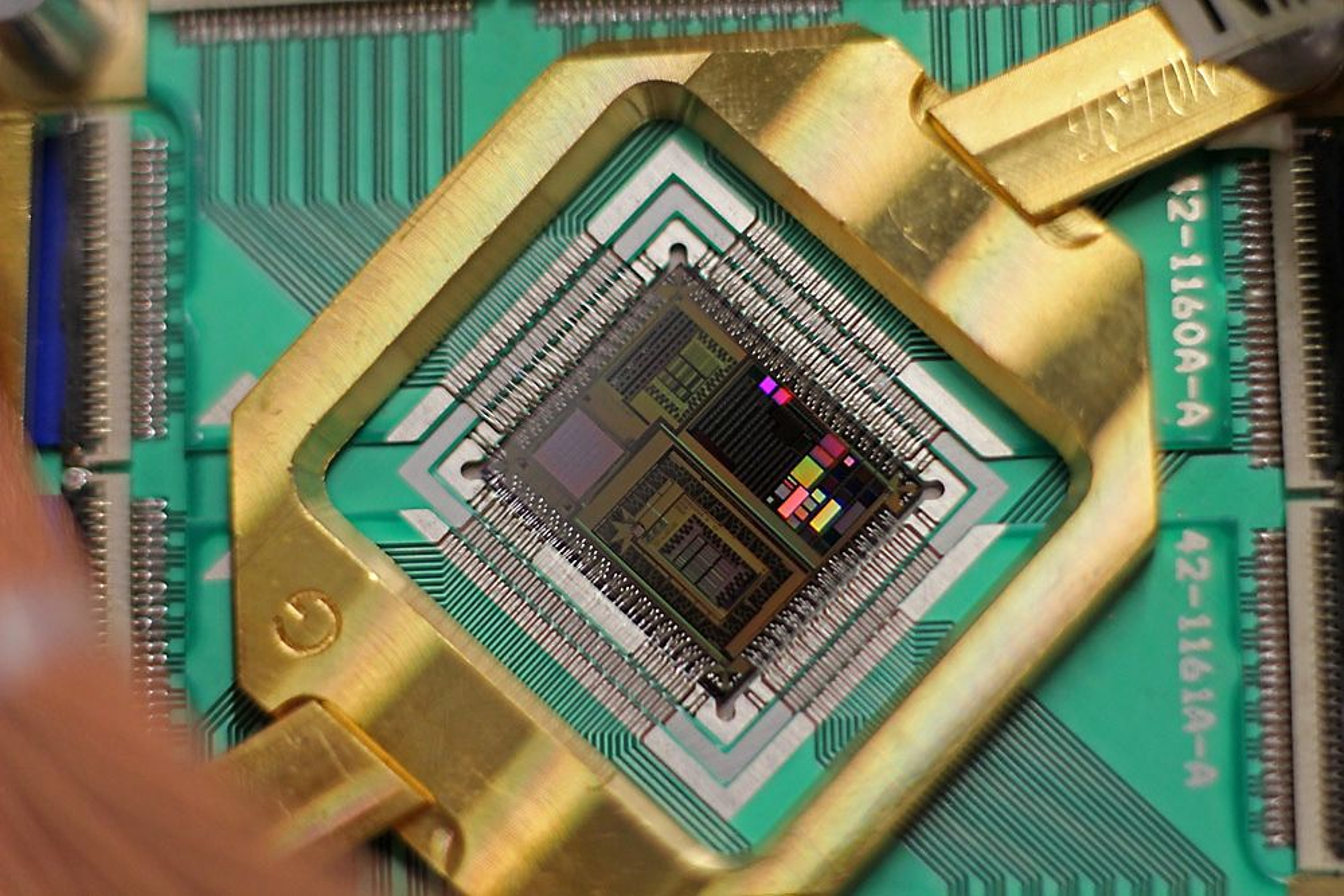 Prosessoren til D-Wave Two-systemet. Google og Nasa har har en slik stående og nå vil de finne ut hvordan den skal brukes.