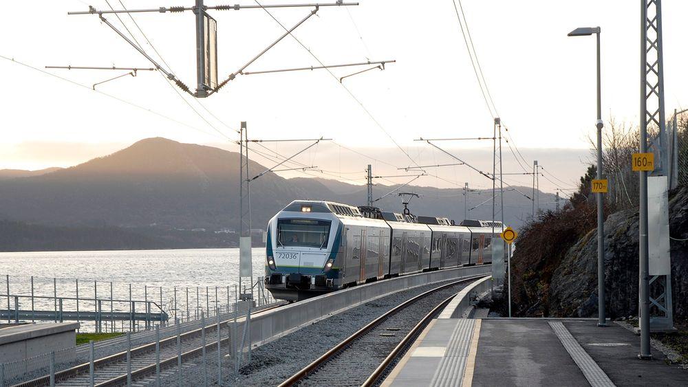 Et nytt verktøy utviklet av Sintef skal hjelpe forsinkede tog å komme i rute.