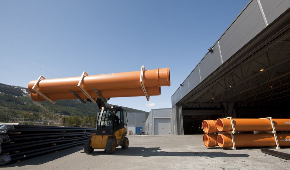 Hallingplast har effektivisert alt fra produksjon til transport med automatisert logistikksystem.