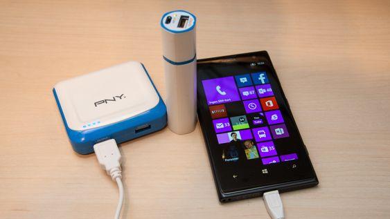 PNY er en av mange produsenter av batteripakker til smarttelefoner. Med en slik kan du lade mobilen din hvor som helst.