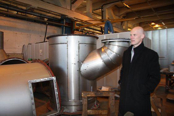 FORNØYD: Administrerende direktør Sigurd Some Jenssen i Hamworthy Krystallon i Moss.