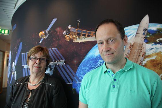 Seksjonssjef Guro Dahle Strøm og seniorrådgiver Dag Anders Moldestad ved Norsk romsenter mener at de nye Sentinel-satellittene vil gi nye bruksområder for jordobservasjon.